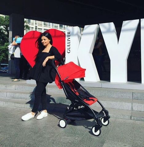 Детская коляска BabyZen YoYo 6+ (красная) напрокат