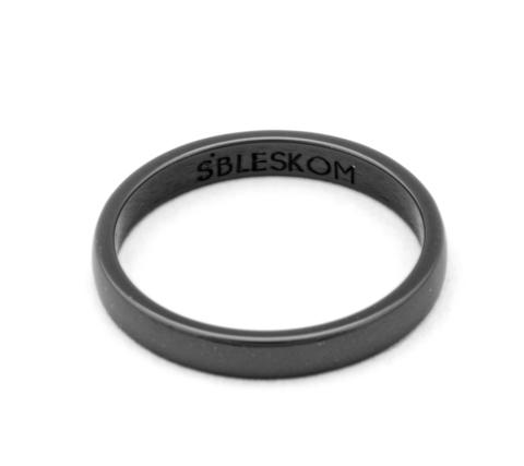 Черное керамическое кольцо