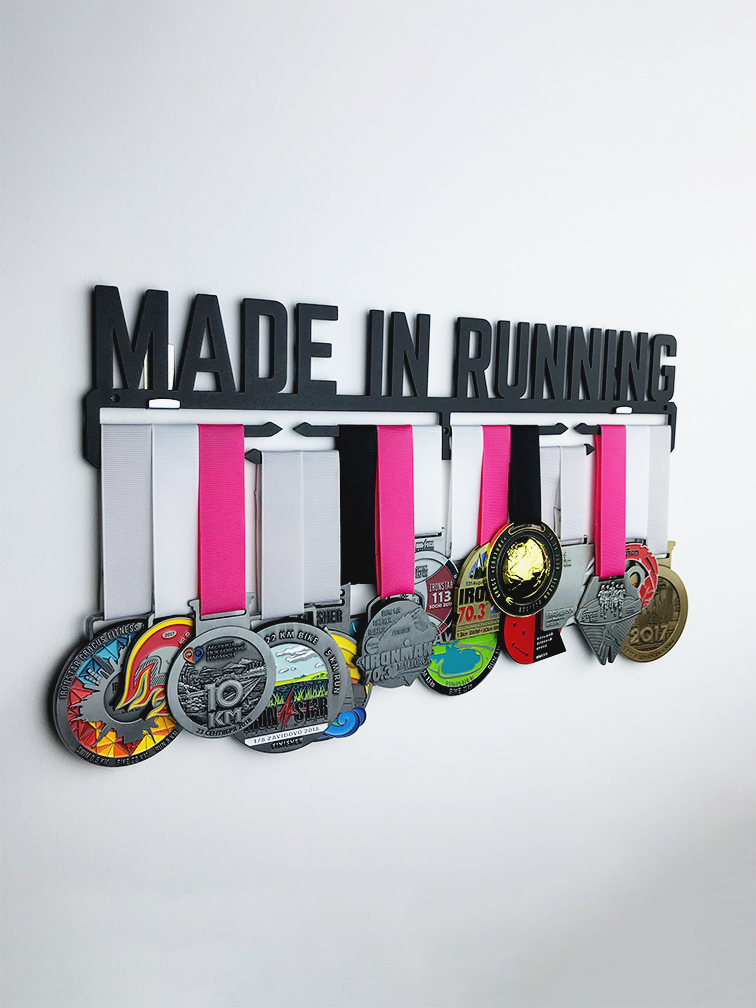 Медальница  Made in running (черный)