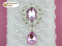 Камень в серебряной оправе с подвеской розовый