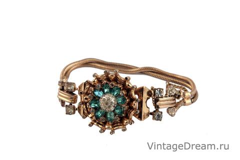 Изысканный серебряный браслет от Coro, 1947 год.