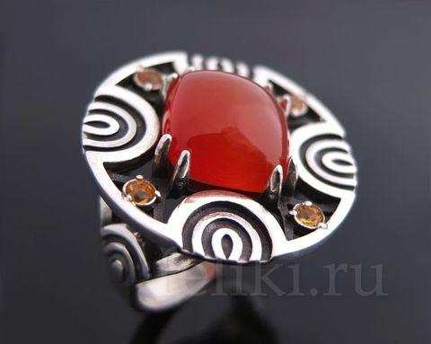 кольцо из серебра с сердоликом и цитринами, диаметр круга 27 мм