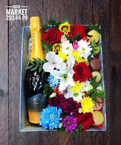 Цветы и macaron + игристое ( 7 шт.) #14581