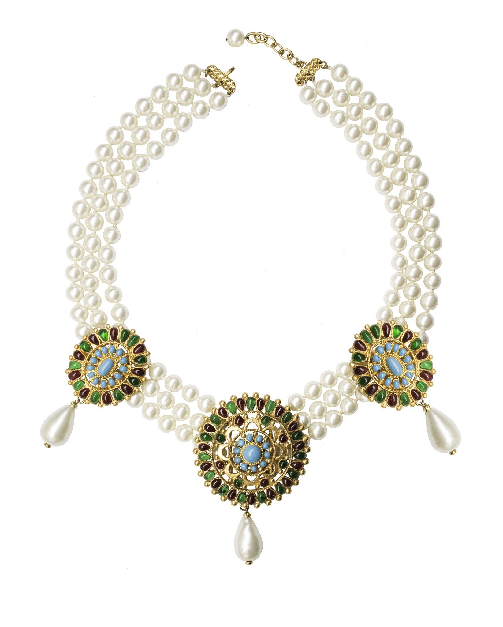 Великолепное винтажное колье Chanel в византийском стиле с жемчугом и стеклом Gripoix