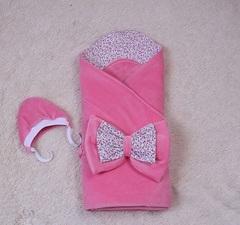 Демисезонный велюровый конверт на выписку новорожденных Винтаж (розовый)