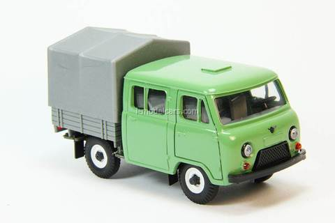 UAZ-39094 Farmer board with awning painted green-gray Agat Mossar Tantal 1:43