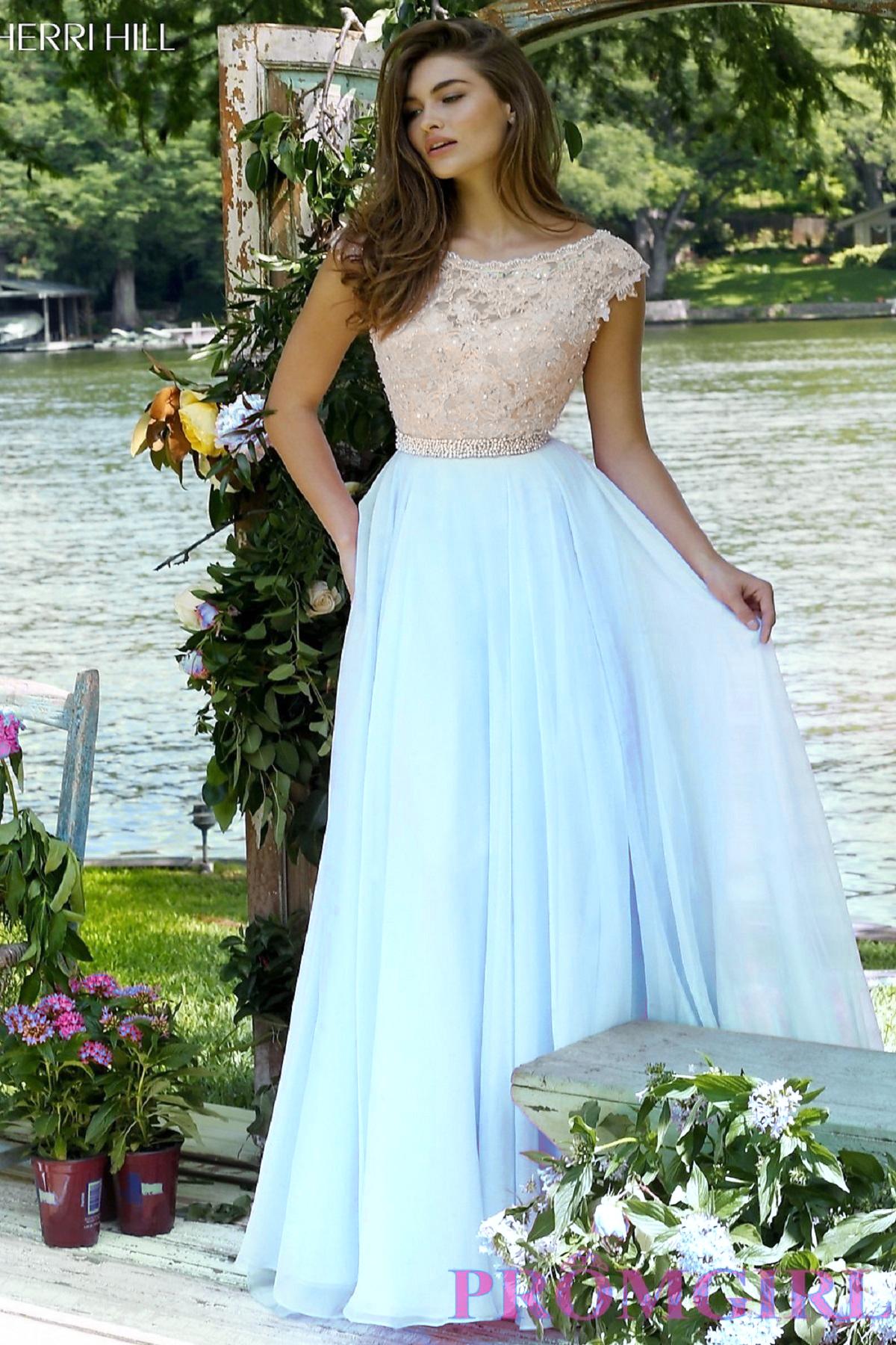 Sherri Hill Платье из струящейся ткани.Верх платья расшит кружевом и бусинами, юбка А- силуэта, длинная и пышная