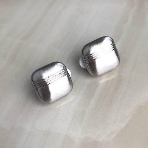Клипсы Элюар с полосками, серебряный цвет