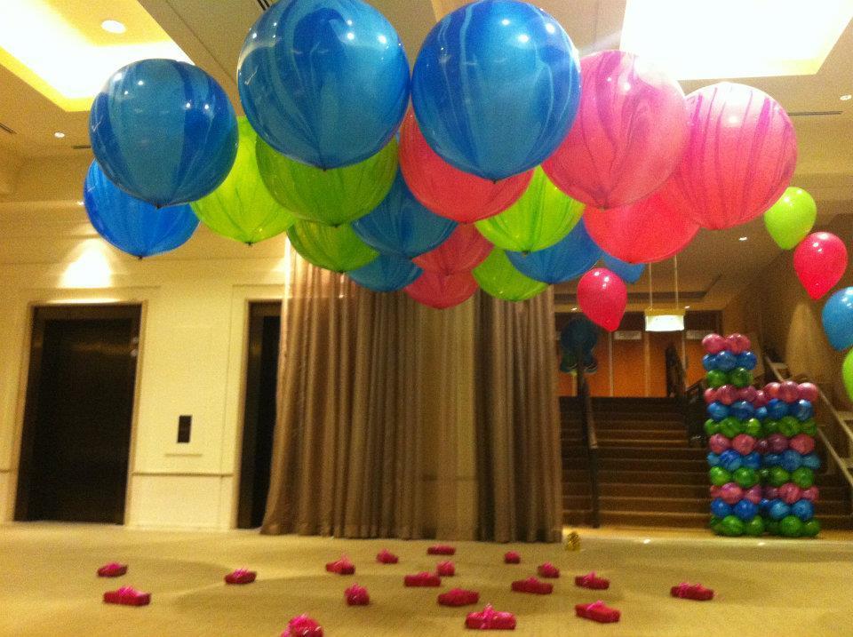 Мраморный воздушный шар 70 см. голубой (4 фото)
