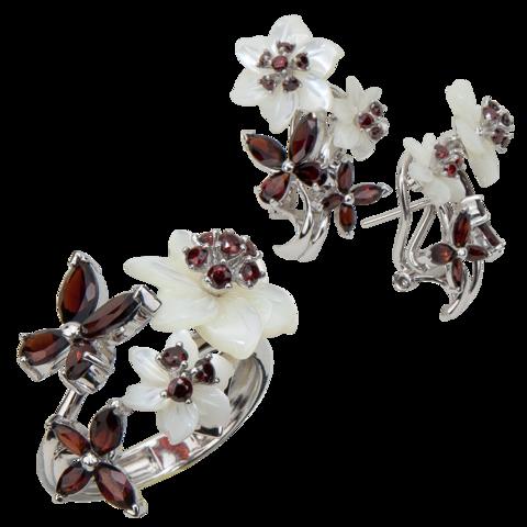 Комплект украшений с цветами из белого перламутра и гранатом № 130
