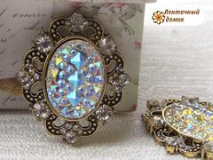 Камни ежики в оправе старое золото прозрачные