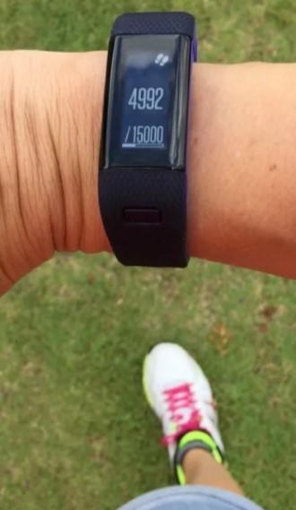 Женский фитнес-браслет с пульсометром Vivosmart HR+ фиолетовый