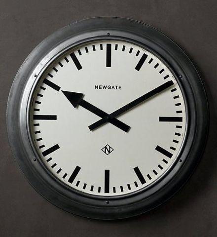 Часы настенные Часы настенные Restoration Hardware Дифрент малые chasy-nastennye-restoration-hardware-difrent-malye-ssha-na-stene.jpeg