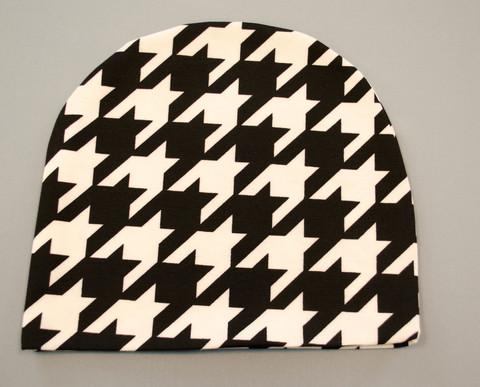 Фешн. Молодіжні жіночі шапки. Біла лапка на чорному.