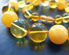 бусы из крупных янтарных шаров