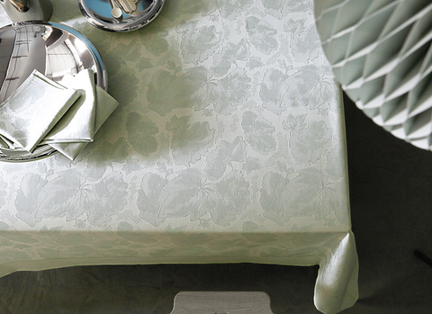 Скатерть и комплект салфеток Blanc des Vosges Flora celadon