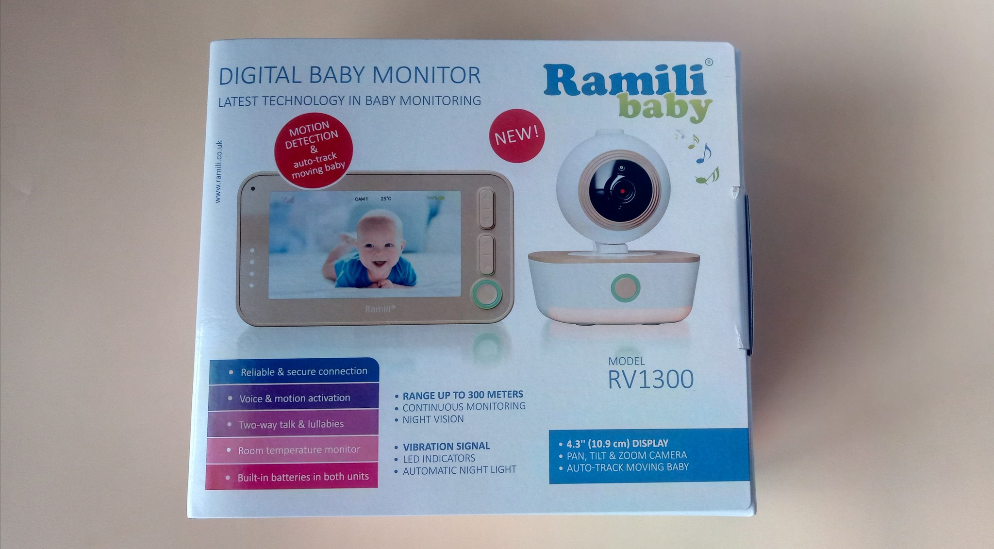 Видеоняня Ramili Baby RV1300 упаковка