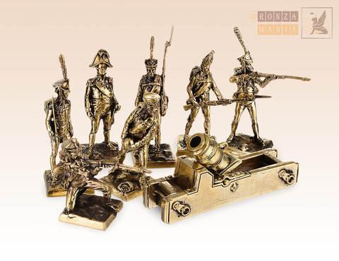набор солдатиков Русская Императорская Армия с пушкой 1812 г. 7 шт.