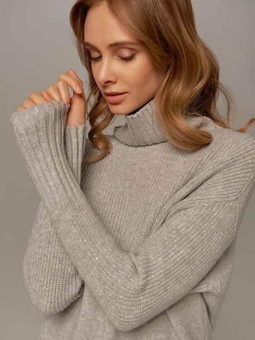 Женский свитер светло-серого цвета с высоким горлом из шерсти и кашемира - фото 2
