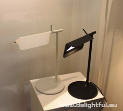 лампа TAB Lamp by Edward Barber and Jay Osgerby