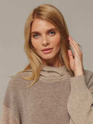 Женский джемпер песочного цвета с капюшоном из шерсти и кашемира - фото 4