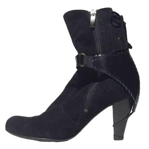 Автопятка для женской обуви с каблуком черная (на рамке)