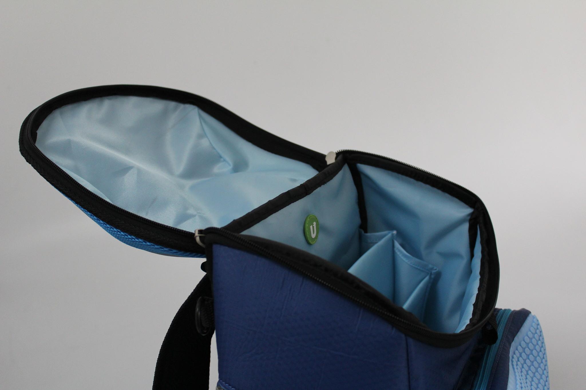 Школьный пиксельный рюкзак Super Class сине-голубой открытый