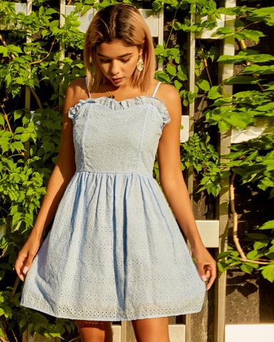 нежно-голубое летнее платье купить