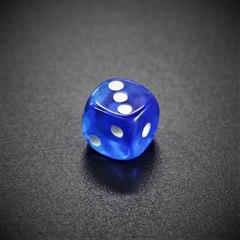 Кубик D6: прозрачный синий