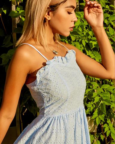 нежно-голубое летнее платье магазин