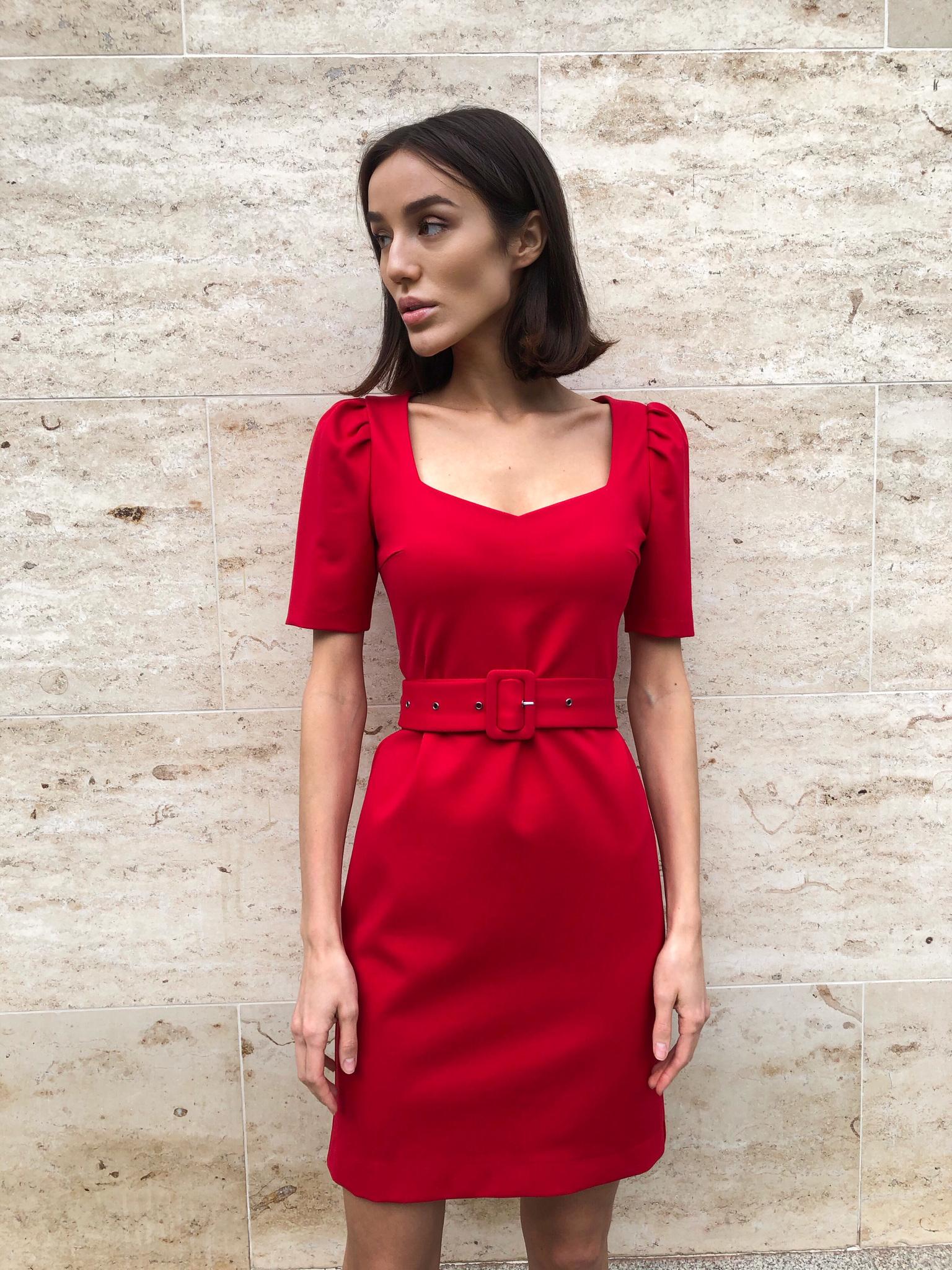 Платье мини с рукавом фонарик (красный)
