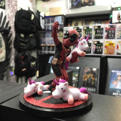 Фигурка Deadpool с единорогами, 11см