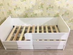 Кровать с бортиком Лютик