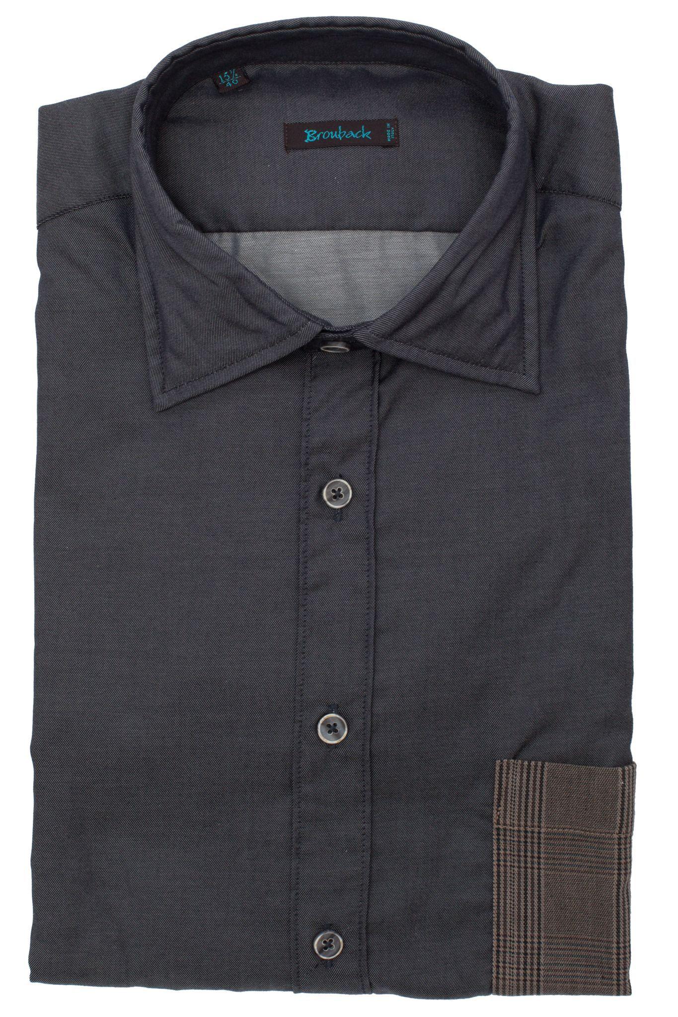 Тёмно-серая рубашка с накладным коричневым карманом