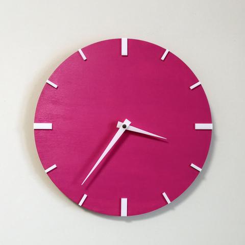 Часы настенные цвета фуксия