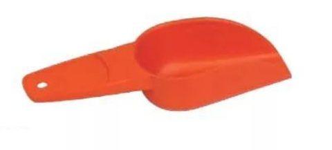 совочек в оранжевом цвете