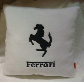 Подушка автомобильная с логотипом FERRARI