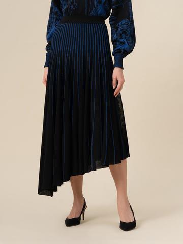 Женская юбка асимметричного кроя черного цвета из вискозы - фото 2