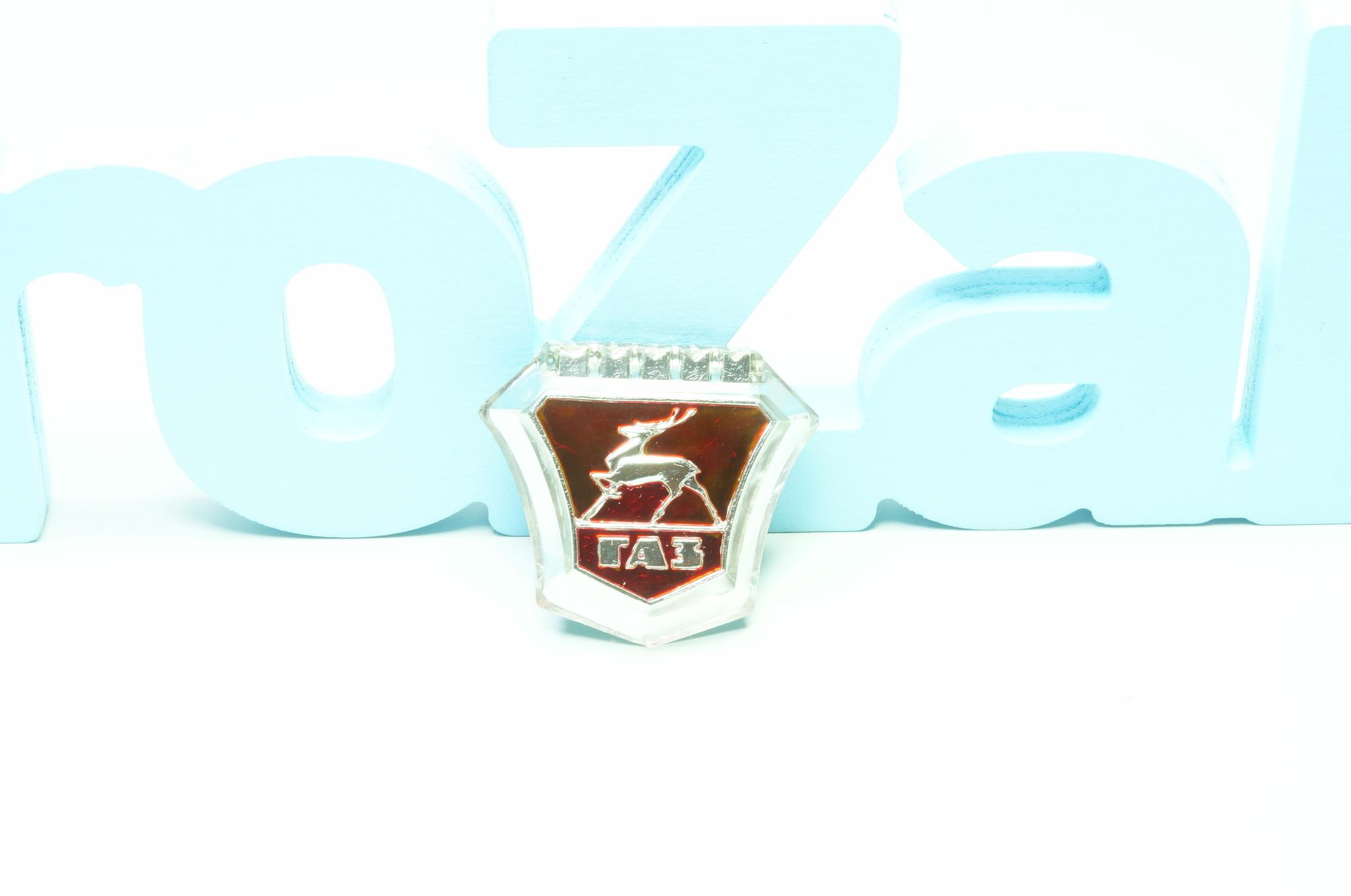 Эмблема панели приборов Газ 13 Чайка