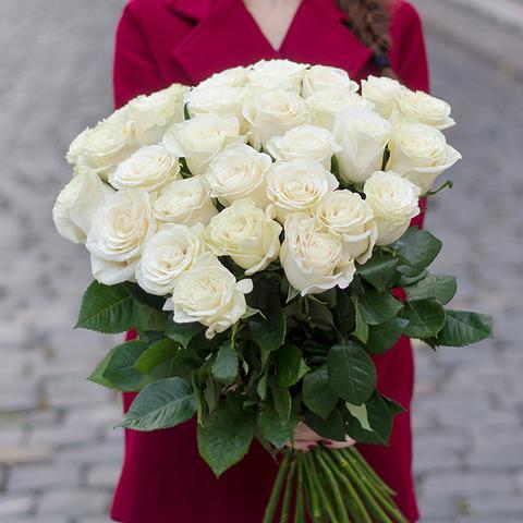 Букет 35 белых роз Avalanche
