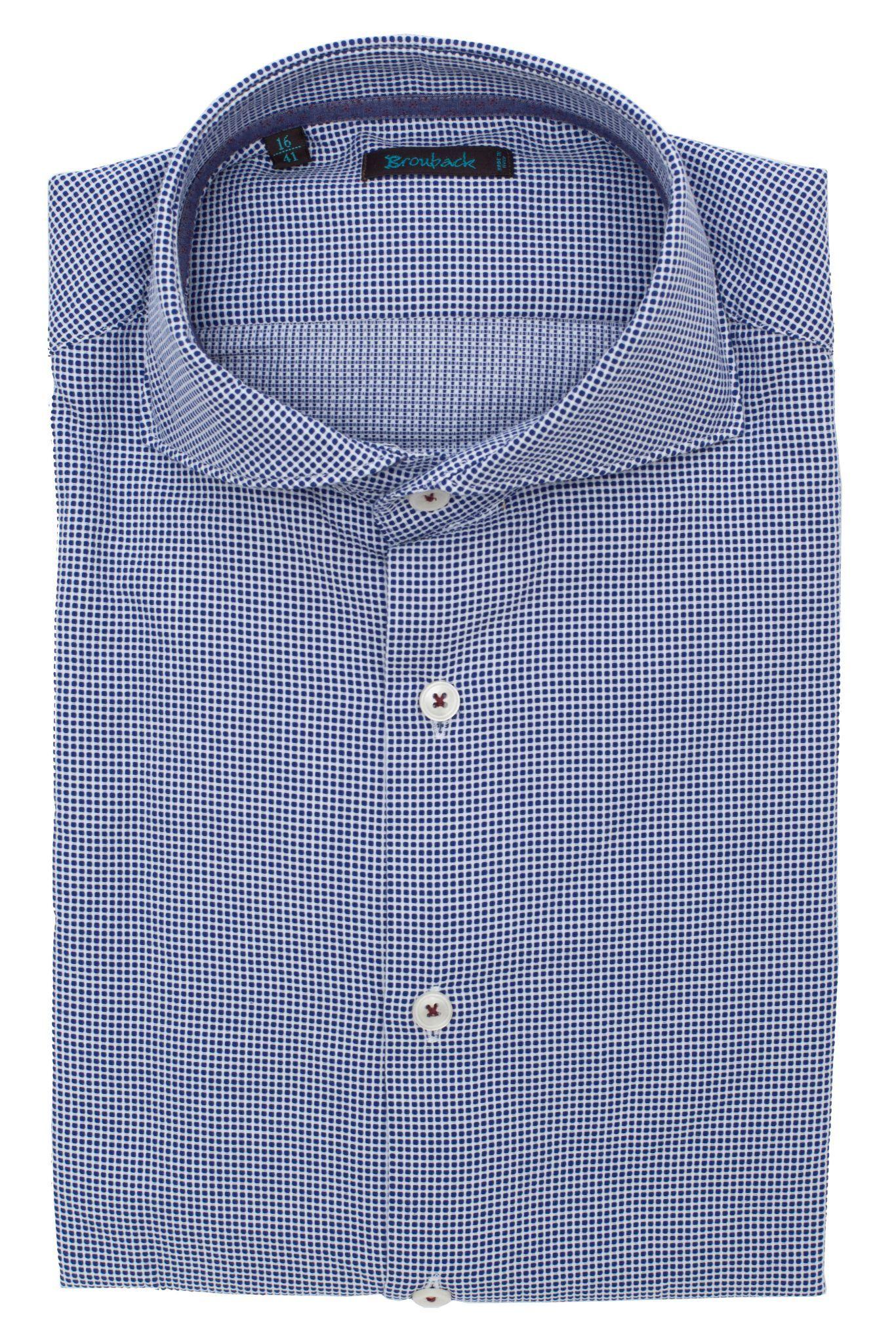 Сине-белая рубашка в мелкую клетку