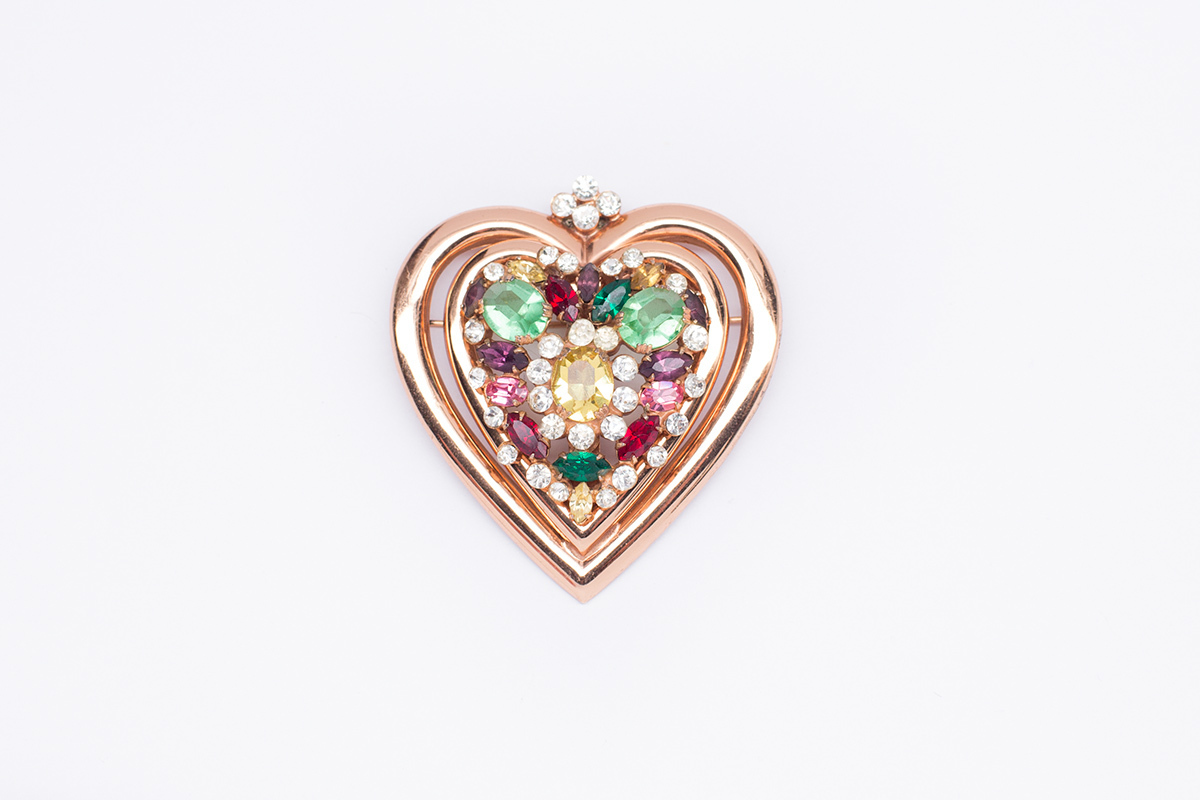 Серебряная брошь «Два сердца» от Coro.