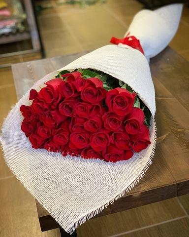 Букет из 25 элитных красных роз (80 см)