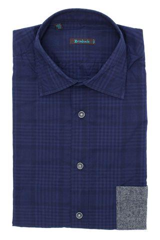 Синяя рубашка в клетку с серым накладным карманом