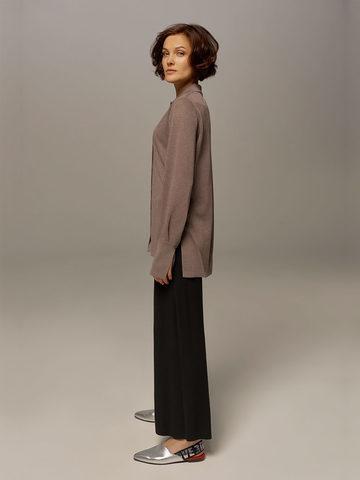 Женский джемпер серо-коричневого цвета на пуговицах - фото 3