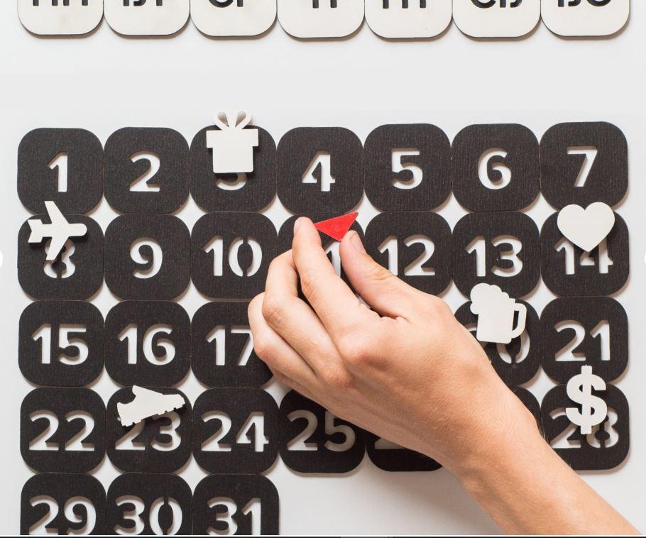 Вечный магнитный календарь, черный от 2 000 руб