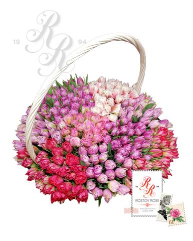 251 Пионовидный разноцветный тюльпан в корзине