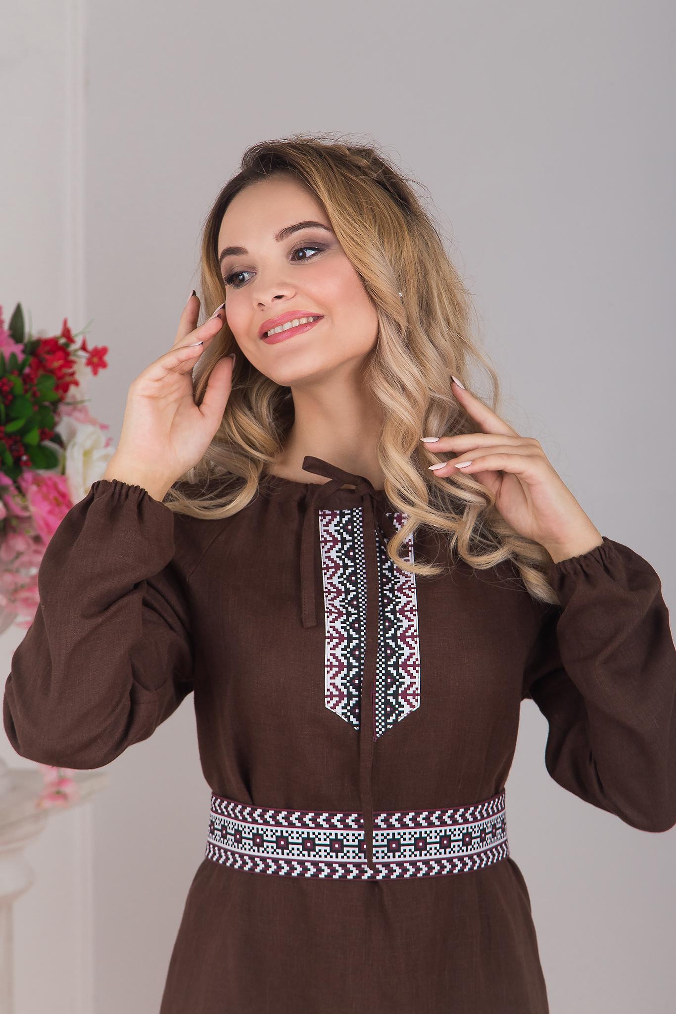 Платье льняное Новгородское приближенный фрагмент