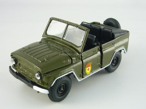 UAZ-469 Parade cabriolet 1:43 Agat Mossar Tantal