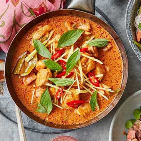 https://static-eu.insales.ru/images/products/1/2130/186157138/thai-red-curry.jpg